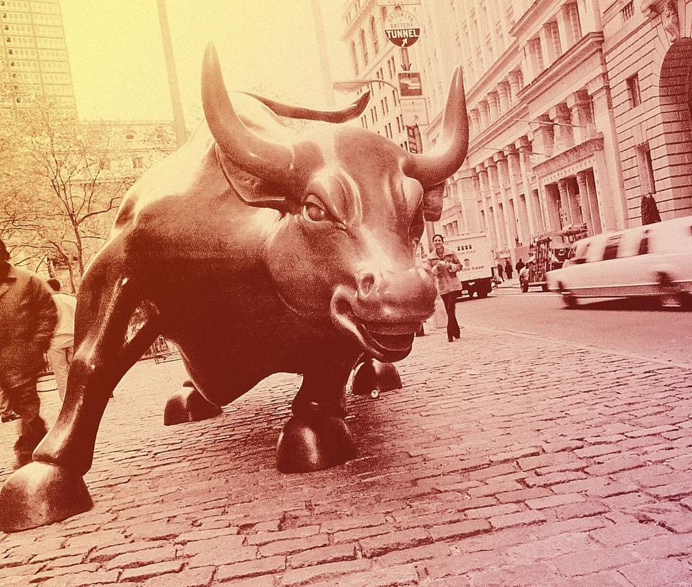 投資判断引き上げ続々、買いシグナル?